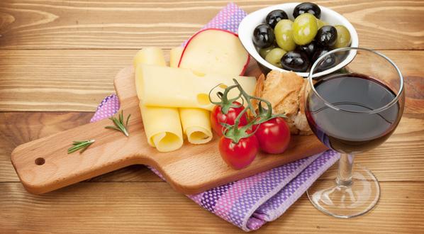 Histamin: Rotwein und Käse sind die häufige Auslöser einer Histamin-Intoleranz