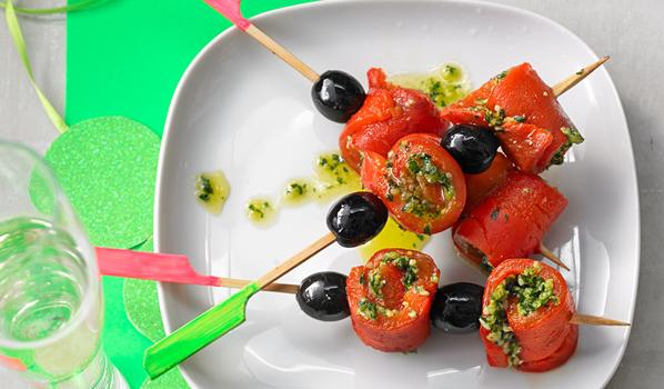 oliven vielseitiger partysnack olive sinnbild der mediterranen k che. Black Bedroom Furniture Sets. Home Design Ideas