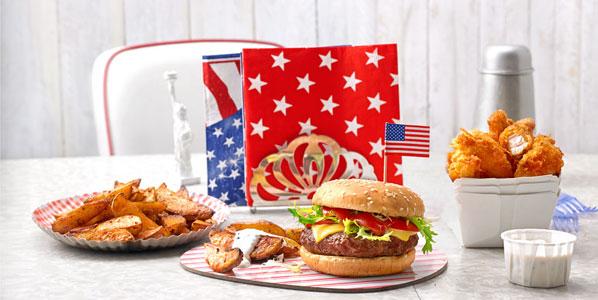 Amerikanische Snacks: Chicken Wings, Burger, Wegdes