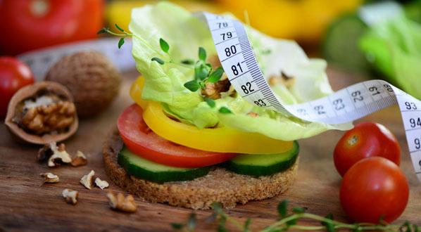 Gesund ernähren kann auch beim Abnhemen helfen