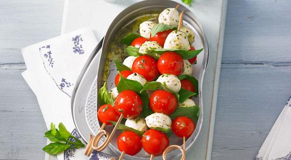 Tomaten mit Mozzarella als Spieße
