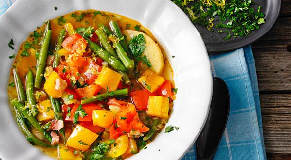 Gemüsesuppe - griechischer Gemüsetopf