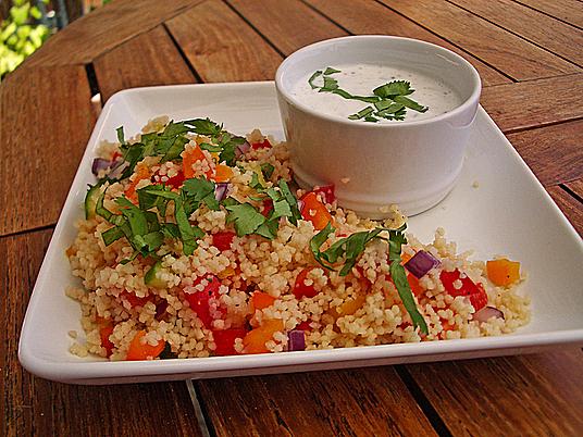 salat zum grillen und andere leichte sommersalate rezepte f r salat mit bulgur couscous oder. Black Bedroom Furniture Sets. Home Design Ideas