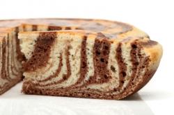 Marmorkuchen als Zebrakuchen