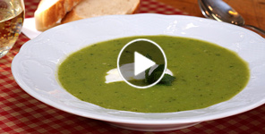 Video-Rezept für Fabios Erbsen-Minz-Suppe