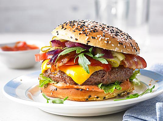 top 50 burger leckere rezepte f r gro en burgerspa. Black Bedroom Furniture Sets. Home Design Ideas