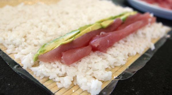 Sushi selber machen: Reis belegen