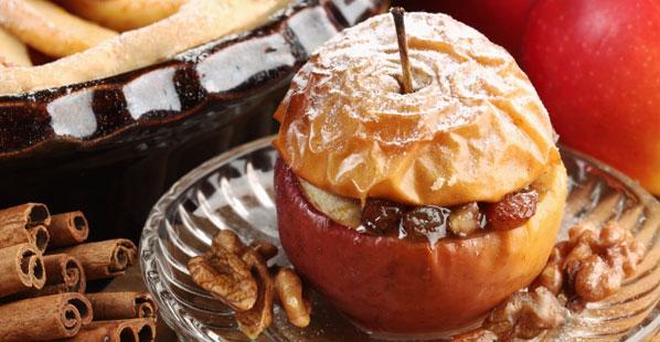Bratapfel gef�llt mit Rosinen und Marzipan
