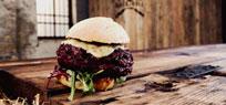 Beef Burger mit Pulled Pork-Füllung