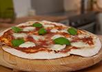 Pizza wie aus dem Steinofen gebacken