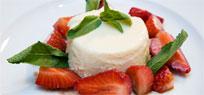 Grießflammerie mit Erdbeeren in Balsamico