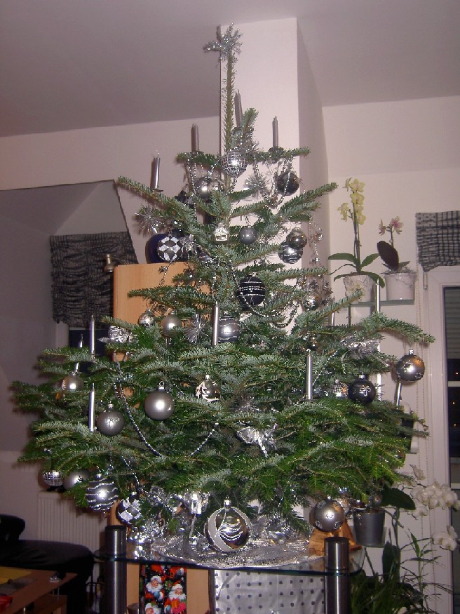 weihnachtsbaum aufh ngen my blog. Black Bedroom Furniture Sets. Home Design Ideas