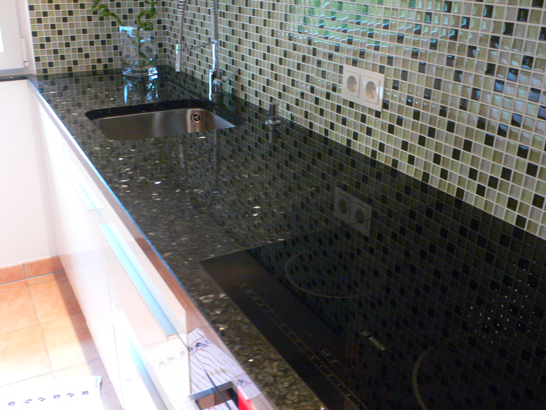 Nero Assoluto Granit granit schwarz awesome p with granit schwarz werzalit tischplatte