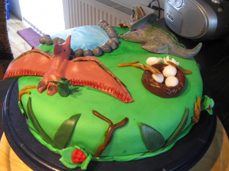 Dinosaurs Cakes Party