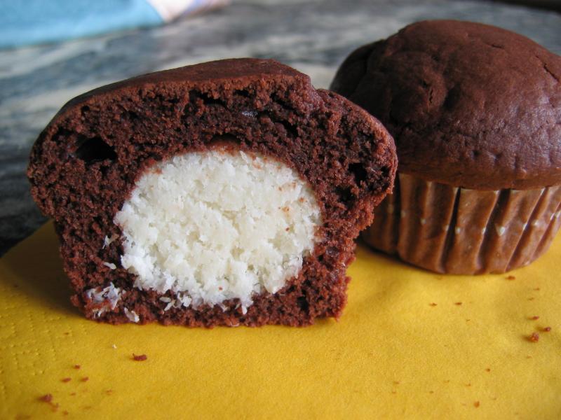 schokoladen kokos muffins rezepte suchen. Black Bedroom Furniture Sets. Home Design Ideas