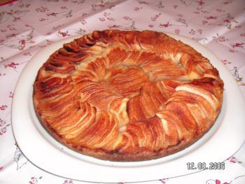 Amarettini-Knusperkuchen mit Äpfeln von maunckerl