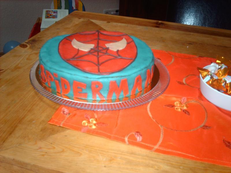 Spiderman Torte Fotoalbum Kochen Rezepte Bei Chefkochde