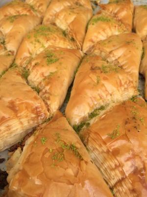 griechische Süßspeisen der Konditorei Byzantio aus Düsseldorf, http://www.byzantio-konditorei.de/