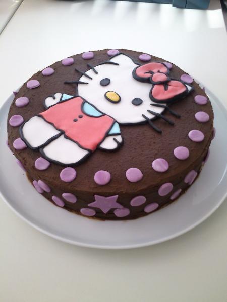 hello kitty torte ohne fondantdecke motivtorten fotos. Black Bedroom Furniture Sets. Home Design Ideas