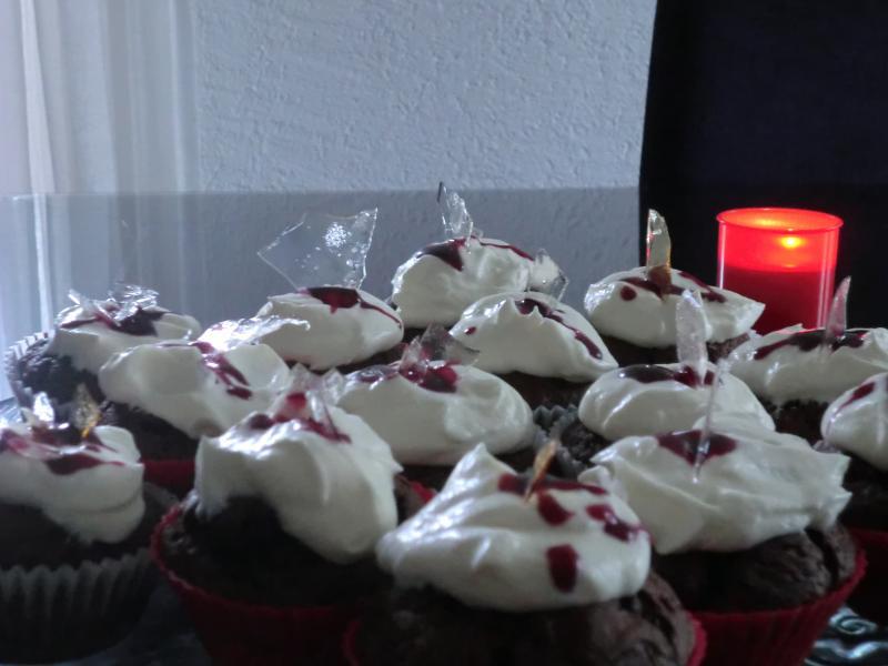 halloween cupcakes mit glasscherben rezepte suchen. Black Bedroom Furniture Sets. Home Design Ideas