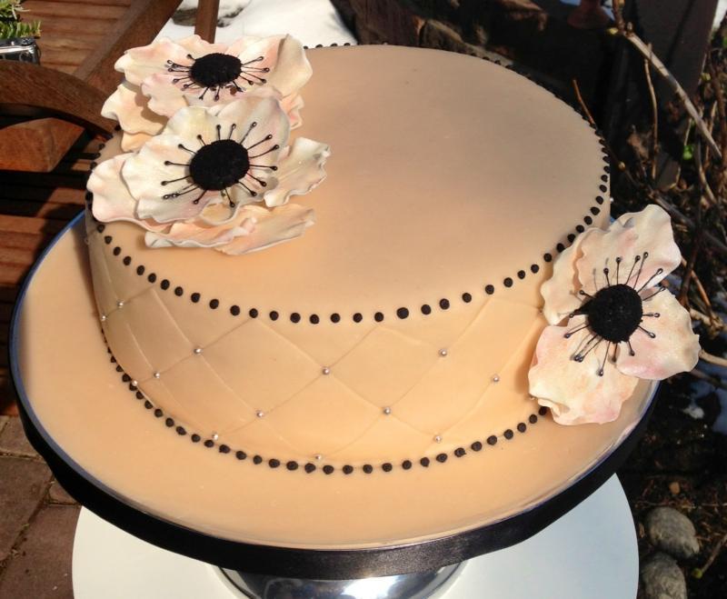 anemonen torte zum 90 geburtstag motivtorten fotos forum. Black Bedroom Furniture Sets. Home Design Ideas