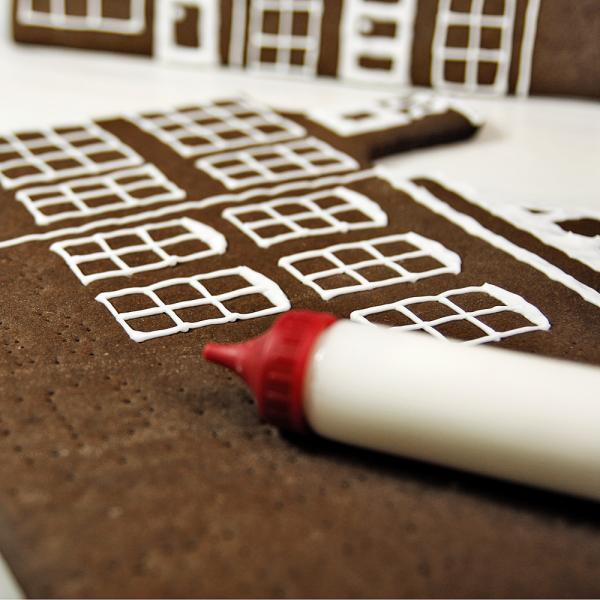 Zuckerguss Für Lebkuchenhaus : ingwer zuckerguss f r lebkuchenhaus rezepte suchen ~ Lizthompson.info Haus und Dekorationen