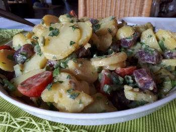 Kartoffeln, SashimiThun, Sauerampfer, Bohnen, SherrySenfdressing