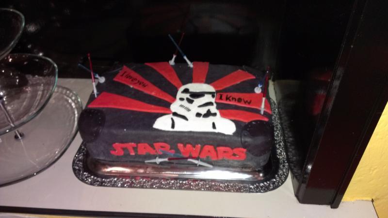 Star Wars ... meine erste Torte .. ein Kampf ^^   Motivtorten ...