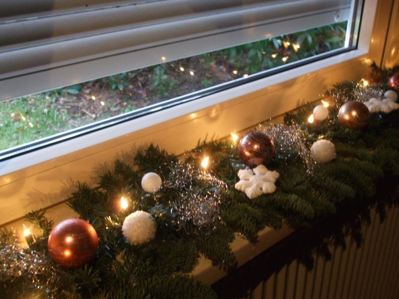 Weihnachtsdeko t rdeko wei e amaryllis blumenstrauss zu for Weihnachtsdeko fensterbank