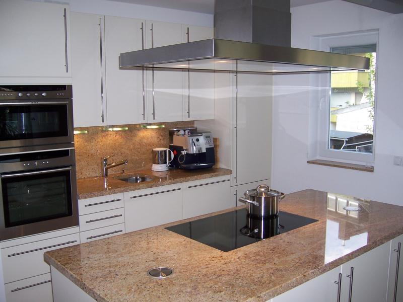 dunstabzugshaube f r kochinsel die kitchenaid design dunstabzugshaube 120 cm schmuck f r. Black Bedroom Furniture Sets. Home Design Ideas