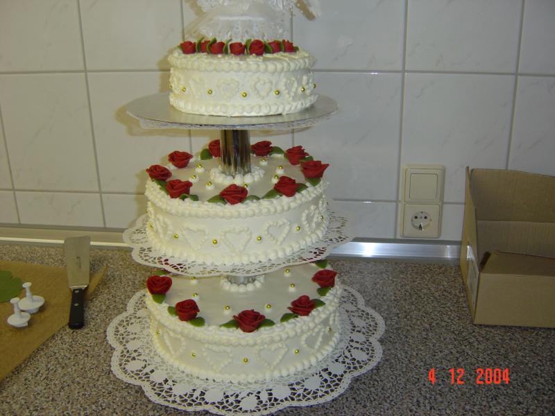 Wer Kann Mir Helfen Hochzeitstorte Ohne Fondant Eindecken Torten