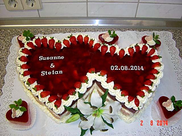 Erbeertorte riesig für Hochzeit  Torten & Kuchen Forum  Chefkoch.de