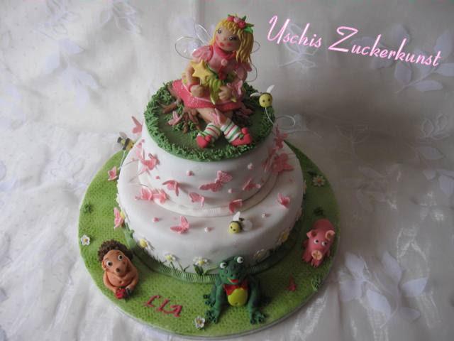 Zweistockige Lillifeetorte Und Blumchen Gugelhupf Mit Tinkerbell