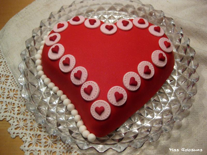 Herzchen im Doppelpack...Torte und Cupcakes zum Valentinstag ...
