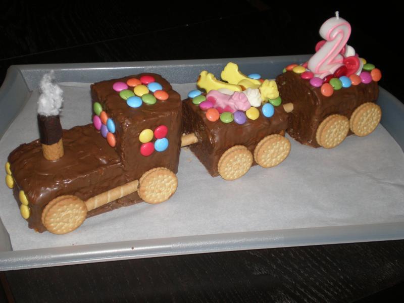 geburtstagskuchen selber machen snickers kuchen selber. Black Bedroom Furniture Sets. Home Design Ideas