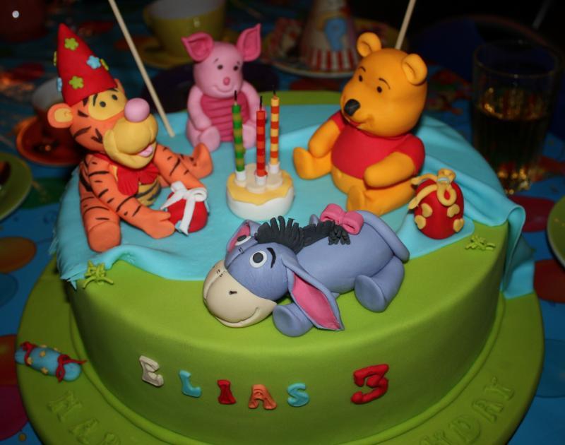 Winnie Pooh und seine Freunde  Motivtorten Fotos Forum ...