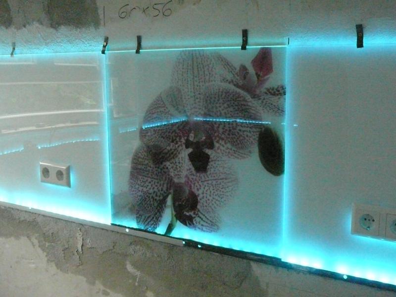 Küchenrückwand kleben  Küchenrückwand aus Glas mit/ohne LED? | Küchenausstattung Forum ...
