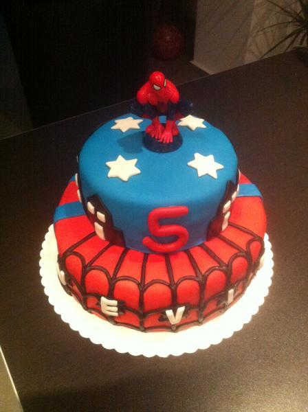 Meine 1 Motivtorte Mit Fondant Spiderman Motivtorten Fotos