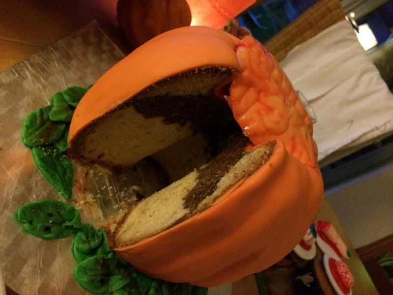 Halloween Nachtrag Kürbistorte Gehirn Monster Donuts Cookies Cupcakes Sarg Brownies 3055760994