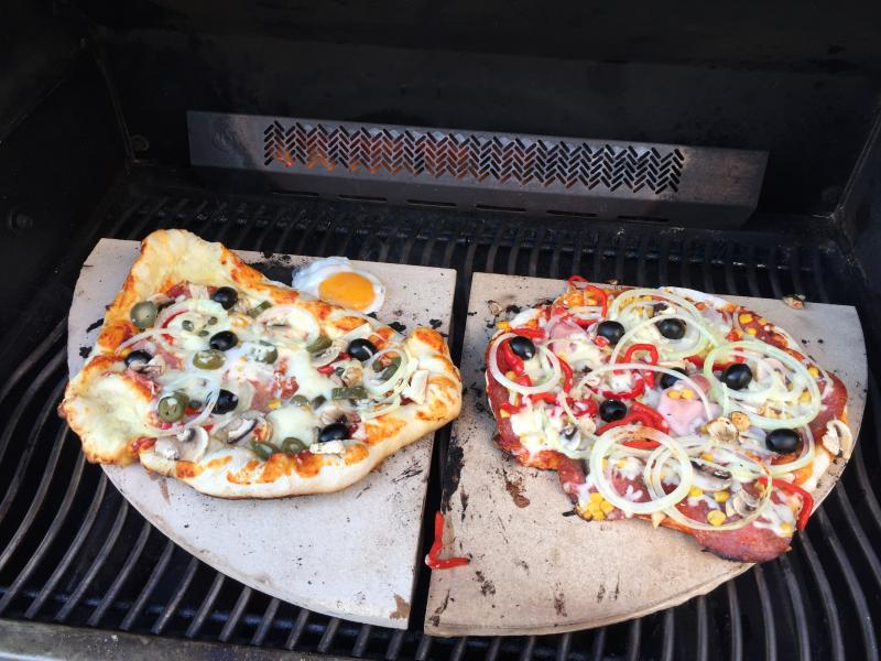 Pizzastein Für Gasgrill Outdoorchef : Pizza auf outdoorchef holzkohle easy slider trichter grillen