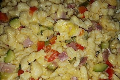Spätzlepfanne mit gekochtem Schinken und Käse 2