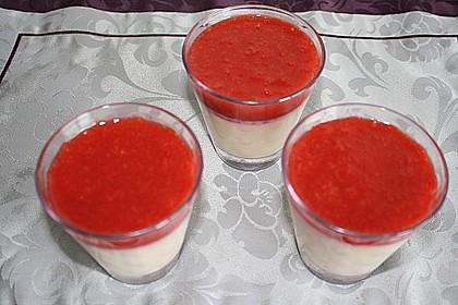 Panna cotta mit Erdbeersauce 73