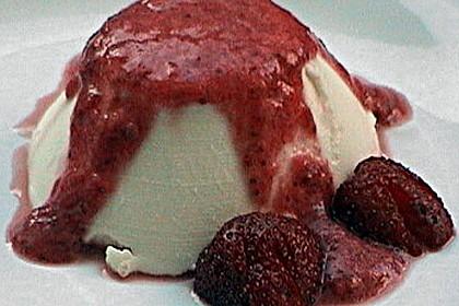 Panna cotta mit Erdbeersauce 84