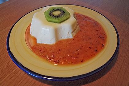 Panna cotta mit Erdbeersauce 66