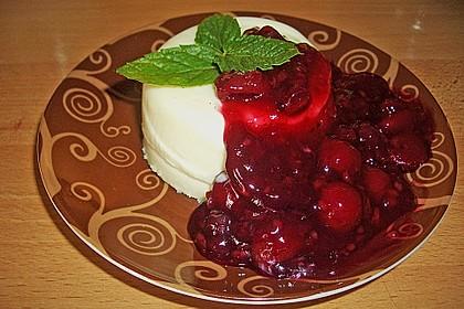 Panna cotta mit Erdbeersauce 29
