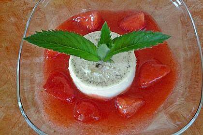 Panna cotta mit Erdbeersauce 77