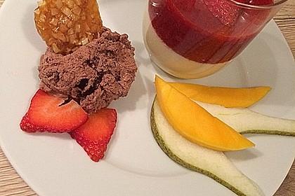 Panna cotta mit Erdbeersauce 52
