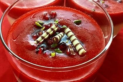 Panna cotta mit Erdbeersauce 28