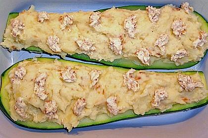 Gefüllte Zucchini mit Kartoffel-Zwiebel-Püree 1