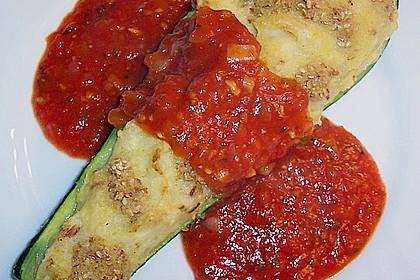 Gefüllte Zucchini mit Kartoffel-Zwiebel-Püree